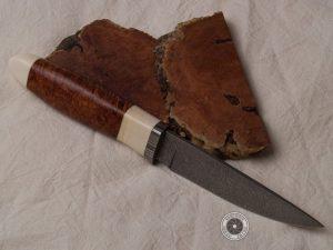 Jagdmesser, Damasteel und Amboina